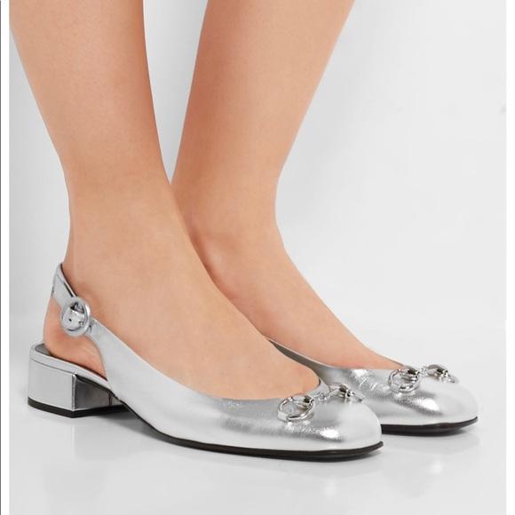 085d7829160b Gucci silver leather Slingback flats